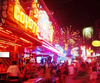 SOI COWBOY BANGKOK THAILAND 01 - Bangkok & Pattaya Bars Are Open